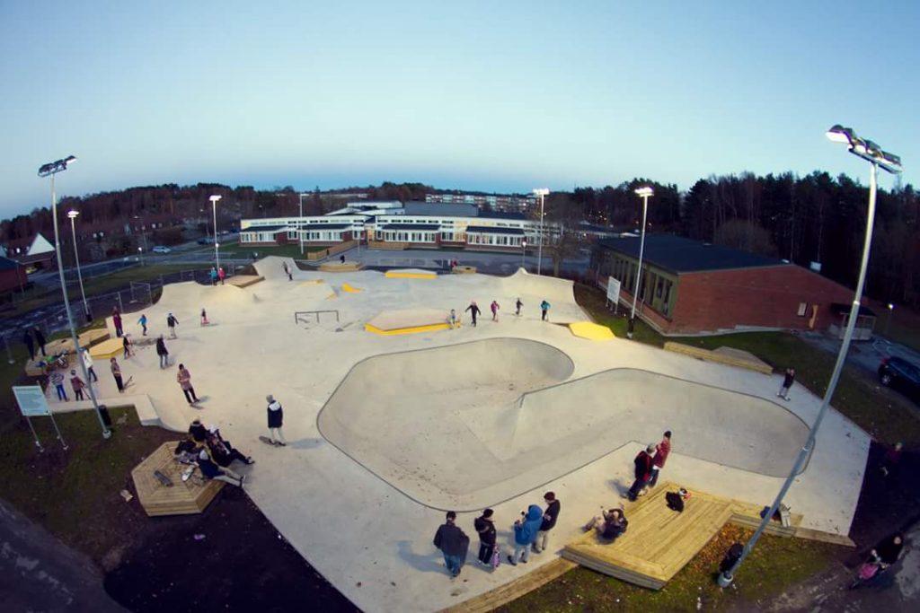 Översikt över Stenungsunds skatepark