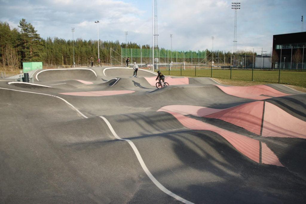 Pumptrack för Kickbike i Väsby.