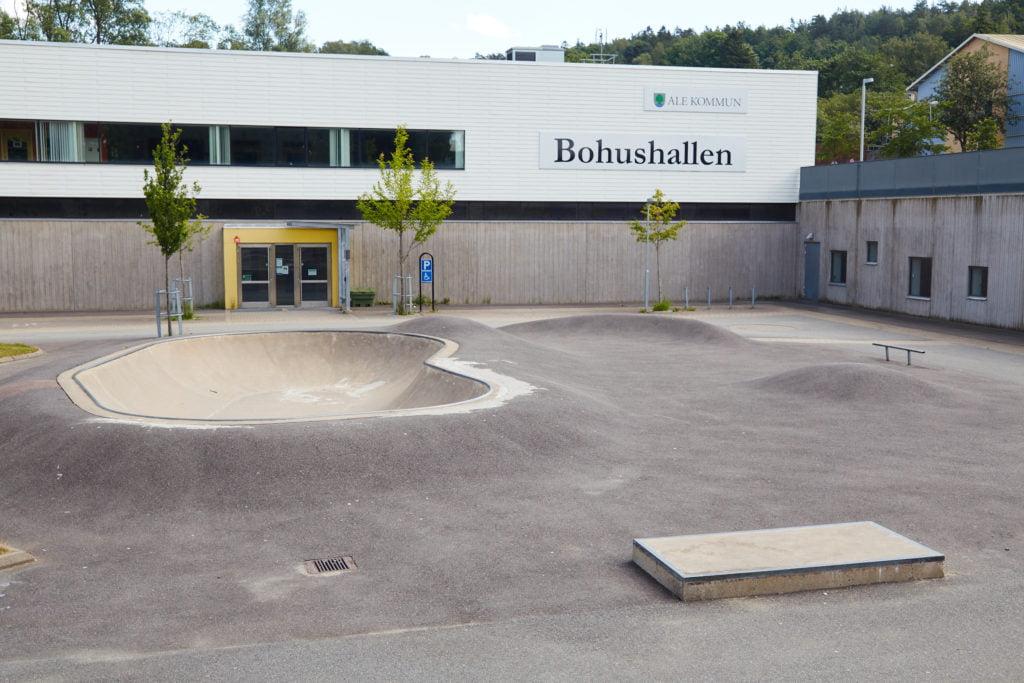 Bohus skatepark med bowl utanför Bohushallen i Ale Kommun.
